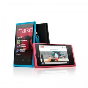Nokia-Lumia-800_group_72dpi