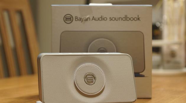 mobiler Lautsprecher mit NFC und Radio